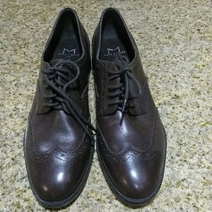 MARC FISHER leather lace up shoes size 9